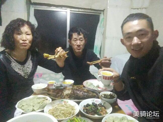 我们家的年夜饭。